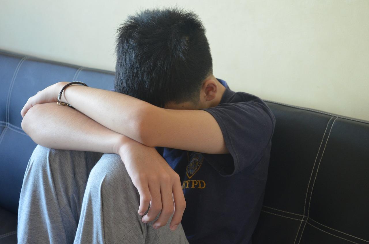Секс 18 летняя мама соблознила своего 9летниго сына 13 фотография