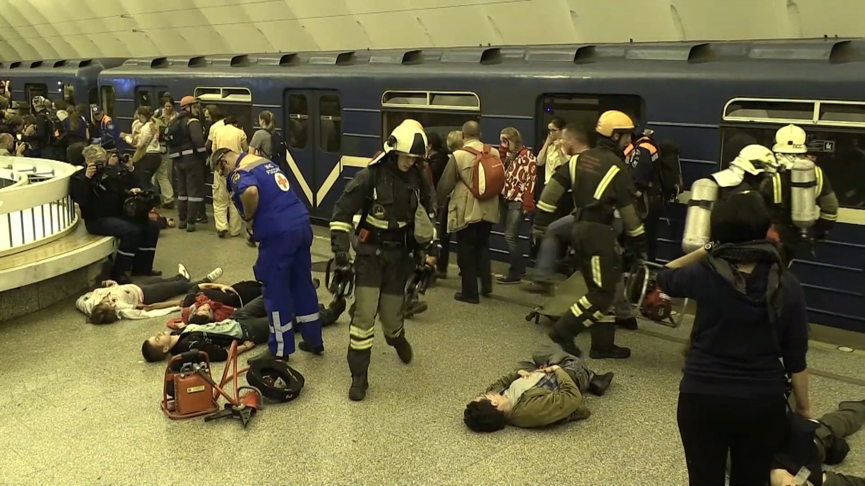 Чило жертв теракта вметро Петербурга возросло  до15 человек