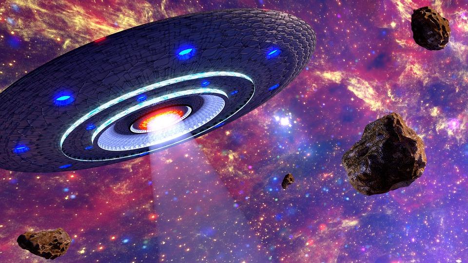картинки летающих тарелок в космосе некоторых