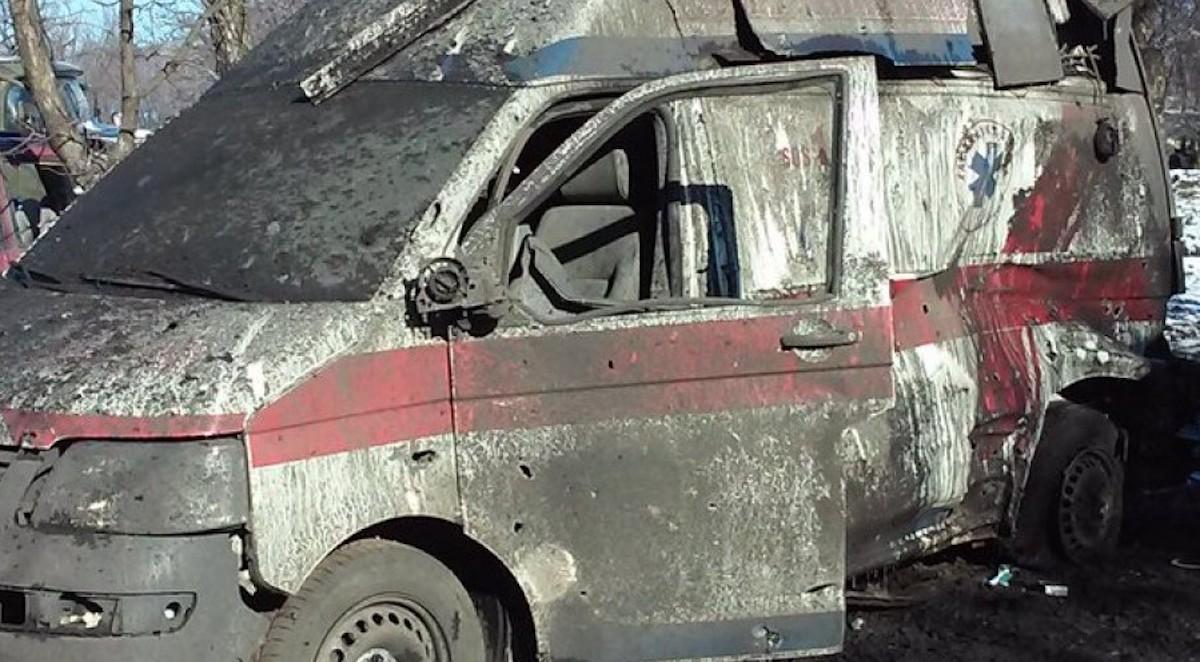 Обстрелы санитарных автомобилей в ДНР и ЛНР