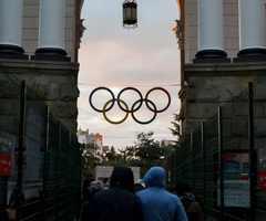 Первое,что видят туристы при выходе из вокзала