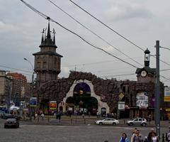 Сказочные ворота московского зоопарка