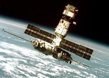 """NASA готовится к испытаниям """"умного"""" скафандра"""