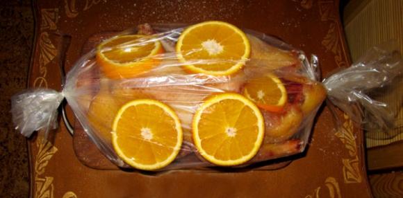 Качка в рукаве в духовке рецепт 15