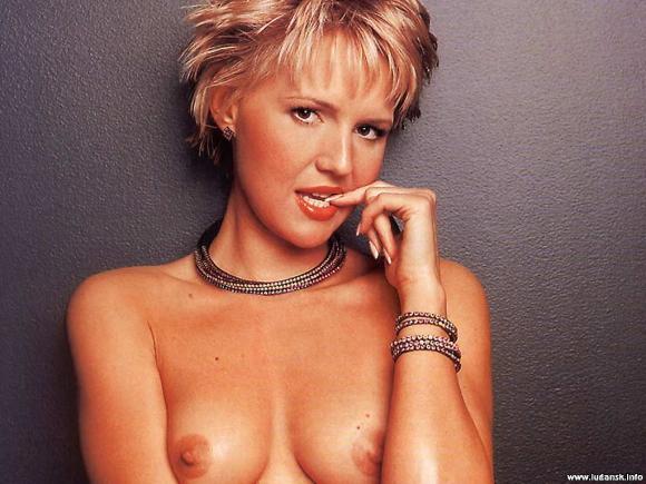 eroticheskie-foto-na-rabochiy-stol-sovetskie-televedushie