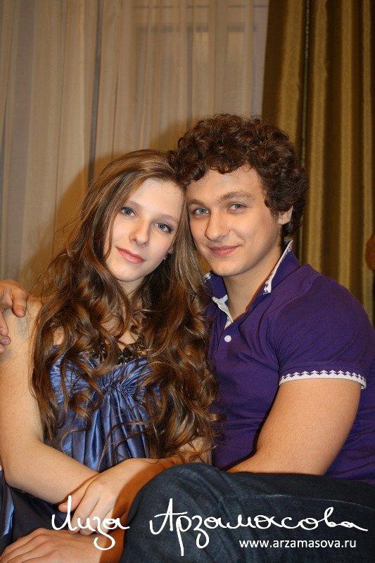 Лиза арзамасова и ее муж фото со свадьбы сейчас джеки чан 3 фильмы