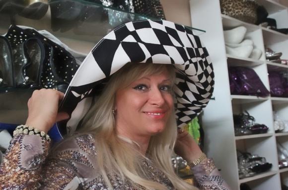 Наталия в шляпе