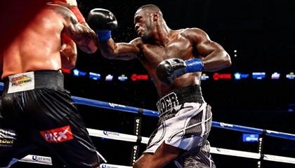 Бой за титул WBC в супертяжелой весовой категории: Деонтей Уайлдер vs. Артур Шпилька