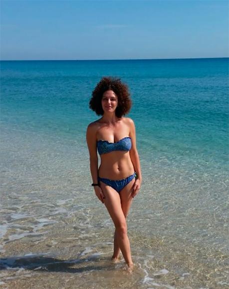Жена в бикини на пляже фото фото 671-527