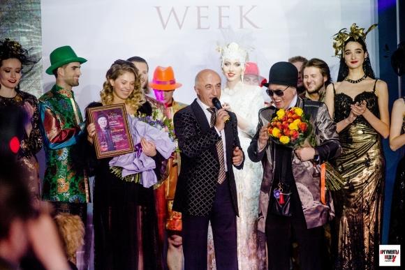 Юбилейный показ Вячеслава Зайцева и широта русской души на Estet Fashion  Week 8434d20dd70