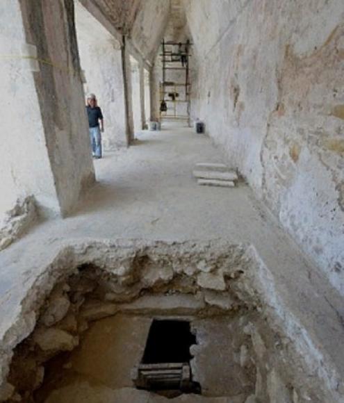 Храм майя внутри