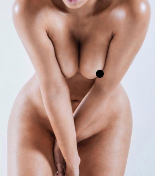 Ким Кардашьян  показала своё тело