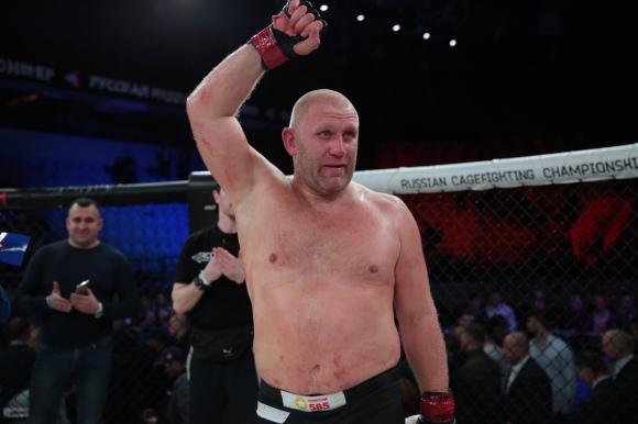 Россиянин Сергей Харитонов одержал победу над Джоуи Бельтраном