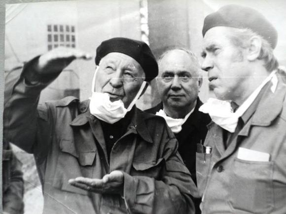 Ефим Славский с товарищами