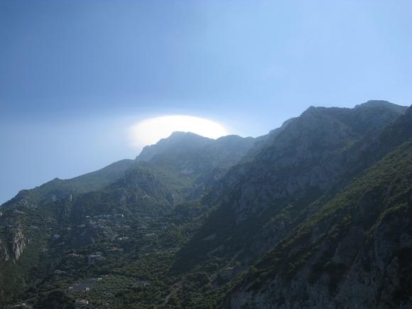 Божия Матерь является на горе Афон и в наши дни?