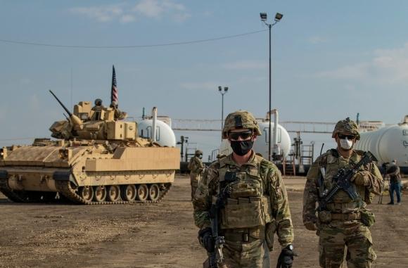СМИ США сообщают, что  американские военные защищают сирийскую нефть от сирийского правительства и России