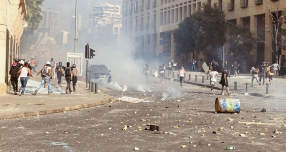 Ливанский мятеж. После взрыва в Бейруте вспыхнуло всеобщее антиправительственное восстание