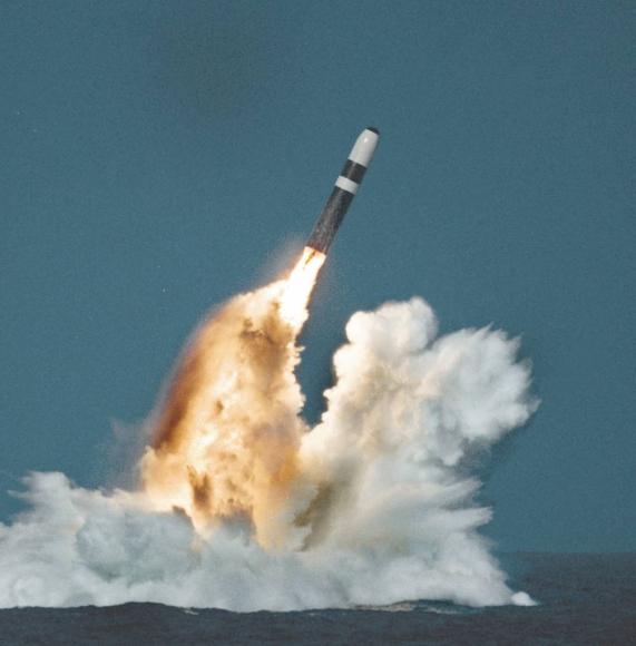 Америка произвела первую партию ядерных боеголовок малой мощности, опасность их применения очень высока
