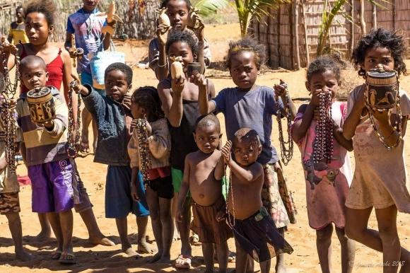Мадагаскар : гибридный олигархический режим