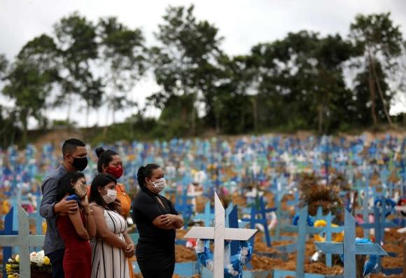 «Уханьская пробирка» против Южной Америки. Бразилия продолжает свою борьбу с коронавирусом