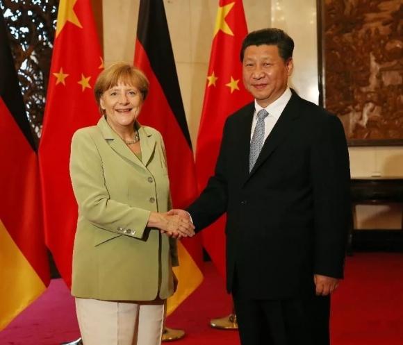 Уровень доверия: наивысший. Ангела Меркель уже давно позиционирует себя как идеальный европейский правитель