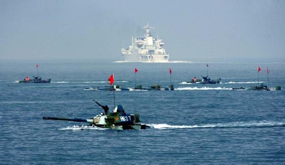 Китай ускоренно строит крупные океанские вертолетоносцы для своих ВМС