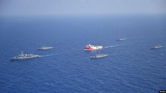 ВМФ РФ проведет военно-морские учения в Средиземноморье рядом с турецкими судами, осуществляющими поиск месторождений газа