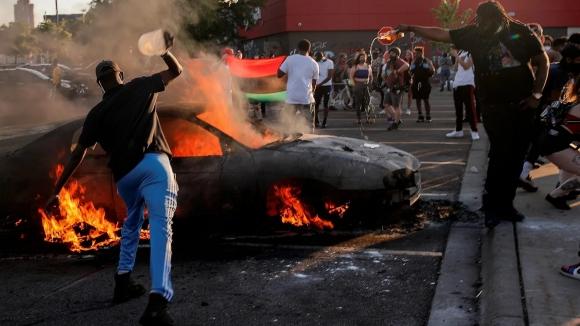 Вирус по имени Раскол. Протесты и беспорядки в США могут привести к полнейшей политической дестабилизации