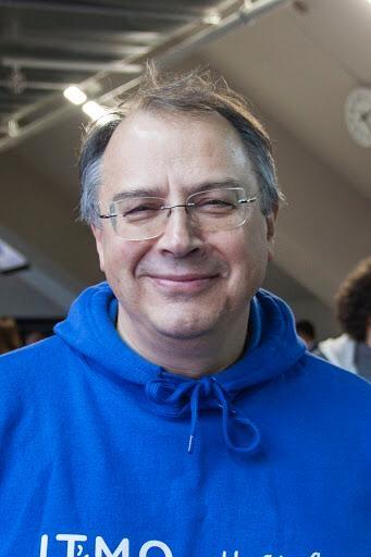 Сергей Стафеев - профессор университета ИТМО, Научный руководитель Музея Оптики, доктор технических наук