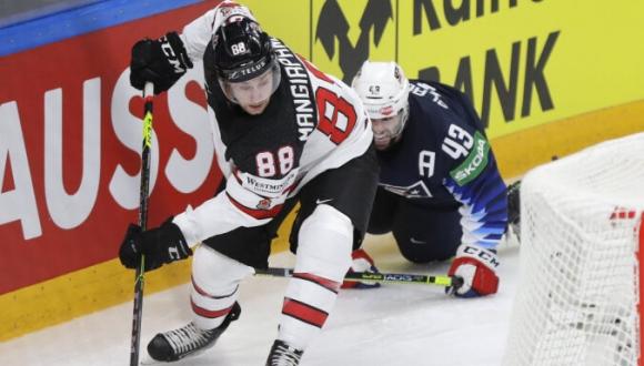 Латвийский тренер Артис Аболс: «У канадцев плей-офф в крови»
