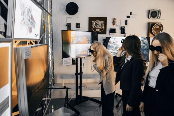 Интерактивная выставка голограмм и оптического искусства «Призма времени» откроется в Москве 5 февраля