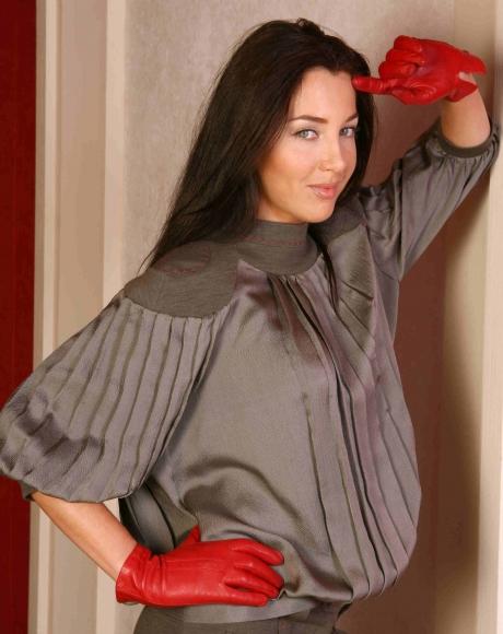 Актриса Евгения Чиркова: «В театре и кино мешает не красота, а интриги»