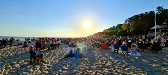 Юрмальский фестиваль: концерт на пляже и ковид-сертификаты