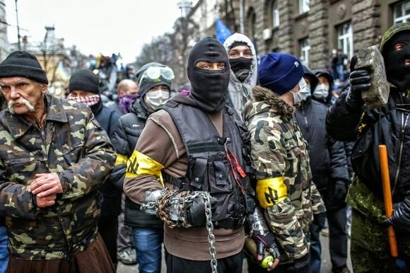 Ни властям в Киеве, ни украинским радикалам мир на Донбассе не выгоден