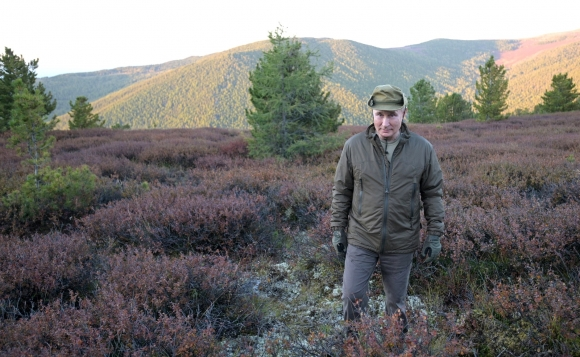 Опубликованы фото Владимира Путина во время отпуска в Сибири