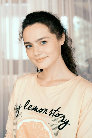 Актриса Ангелина Поплавская: «Я хочу в Средневековье!»