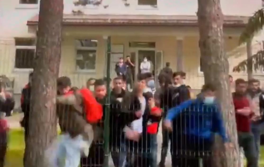 Латвийцы недовольны поведением мигрантов